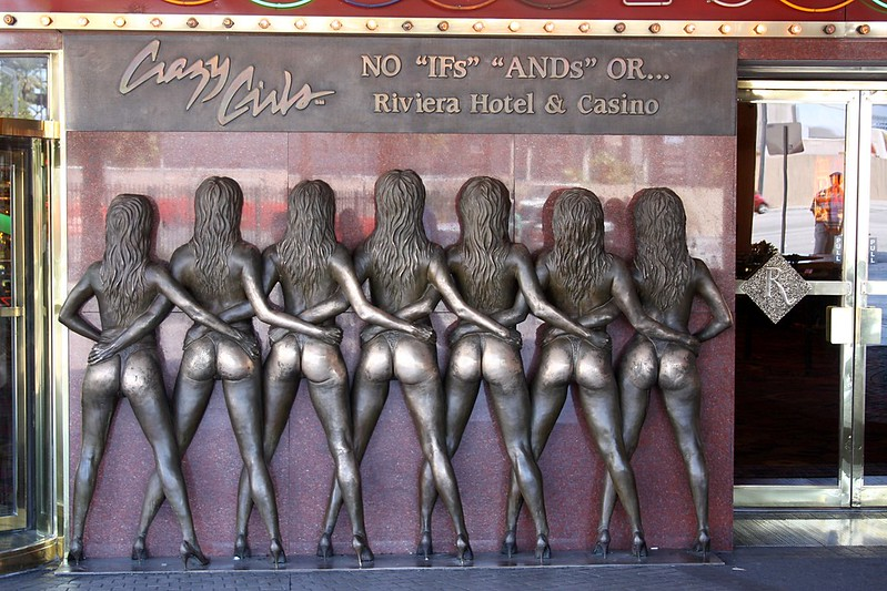 Crazy Girls statue, Las Vegas.
