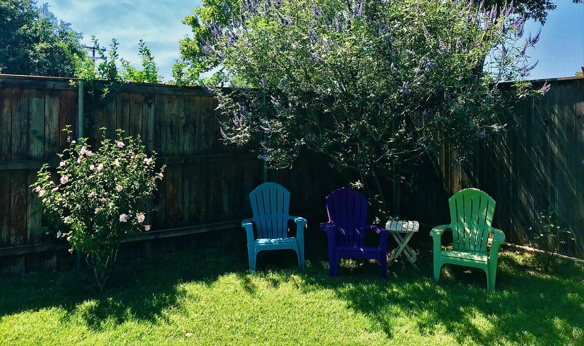 Picture of: 13 Backyard Fencing Ideas Lawnstarter