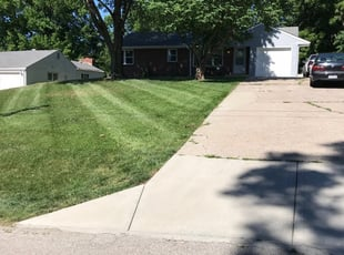 1 New Lenox Il Lawn Care Service Lawn Mowing From 19 Best 2021